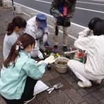 駅通り フラワーポットに花を植えよう