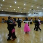 ダンスパーティー本日開催